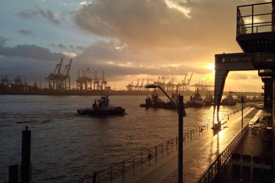 Hamburg Hafen (photo: https://www.flickr.com/photos/neonculture)